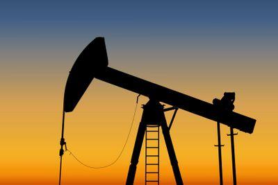 Oil pump - Vector