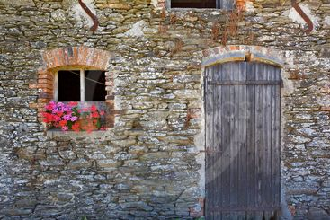 france,brittany,belle-île island : barn