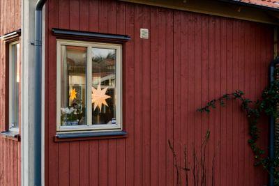 Advent star in window