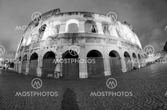 Lys af Colosseum natten