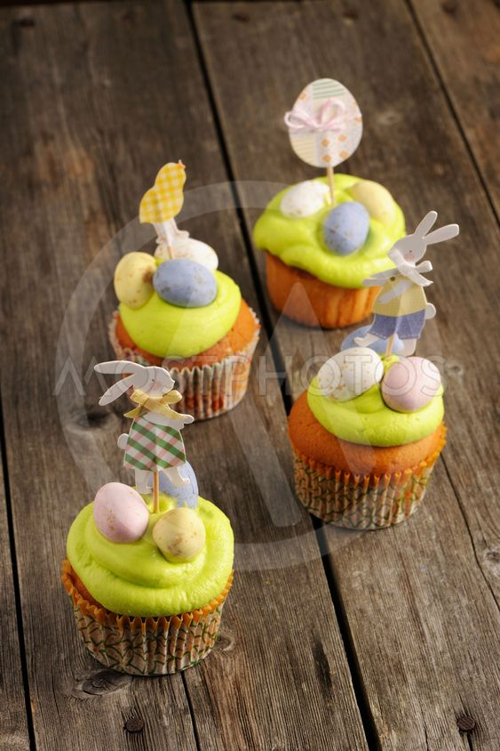 Easter homemade cupcakes