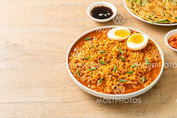 Korean instant noodles with egg