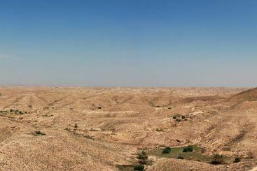 Far idyllic panoramic view over the Tunisian deserts