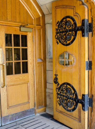 MP Private Entrance