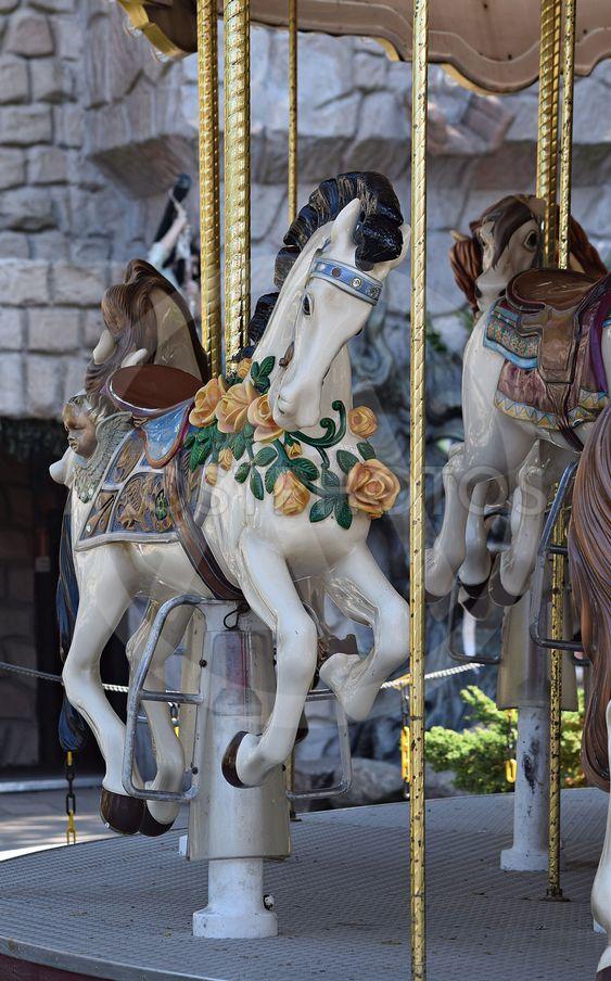 Hästkarusell