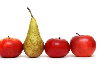 different - pear between green apples