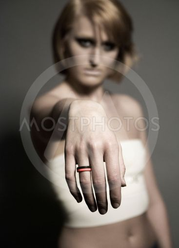 Anette with pink/black ring