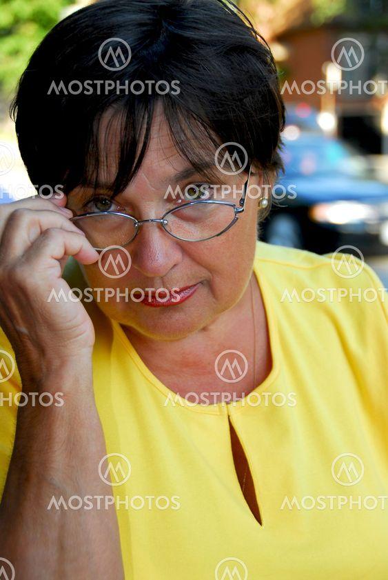Aikuiset nainen lasit
