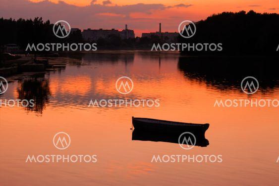 Reservoir efter solnedgang