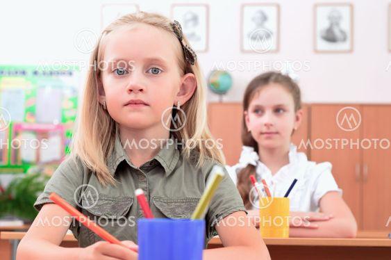 luokkahuoneessa oppilaat