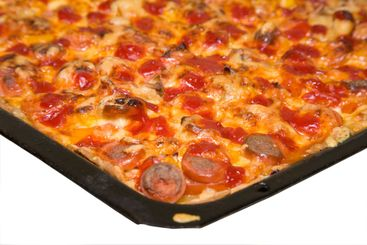 baking tray with pizza