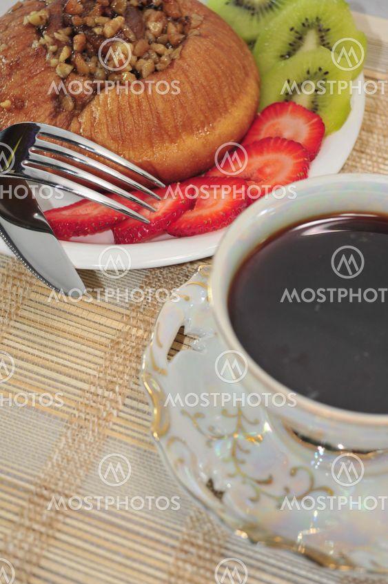Cinnimon Roll ja kahvia