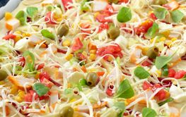 Pizza with cheese and vegetables