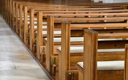 rows of vacant church pews