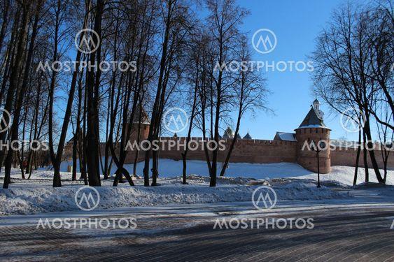 Novgorod Kreml, mursten, tower. vinter, solskinsdag, gamle, gamle, vartegn,