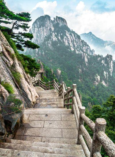 Huangshan mountain path
