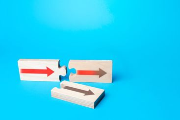 Puzzles with arrows symbolizing the choice of correct...
