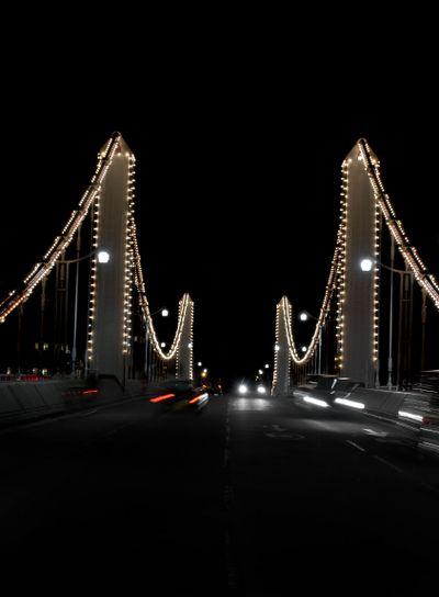 London - chelsea bridge