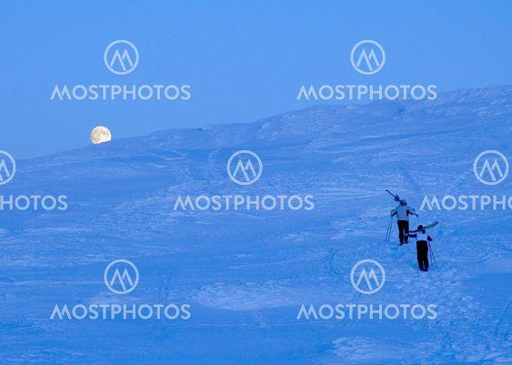 Moonrise ja skiers Areskutan, Joulupäivä