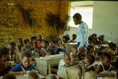 Elementary school in the jungle, Kongo
