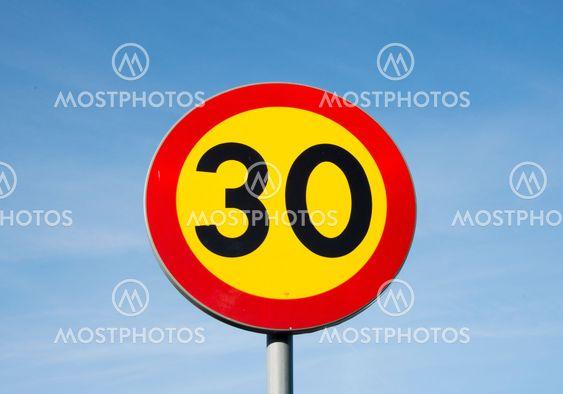 30-skylt