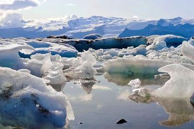Iceland icemelting scenery
