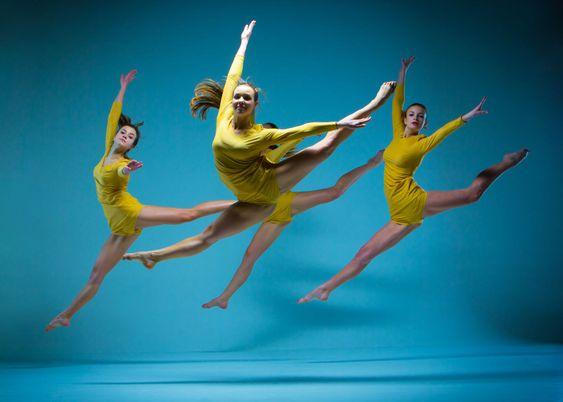 The modern ballet dancers
