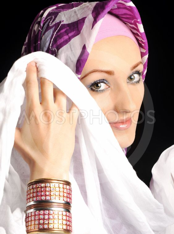 east bloomfield single muslim girls Someone you can love is nearby browse profiles & photos of single women in east bloomfield, ny join matchcom, the leader in online dating with more dates, more relationships and more marriages than any other dating site.