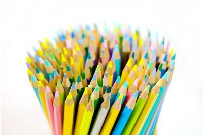 Färgglada pennor