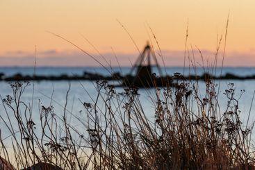 Galtabäcks Hamn i vacker solnedgång i december - Silvertid