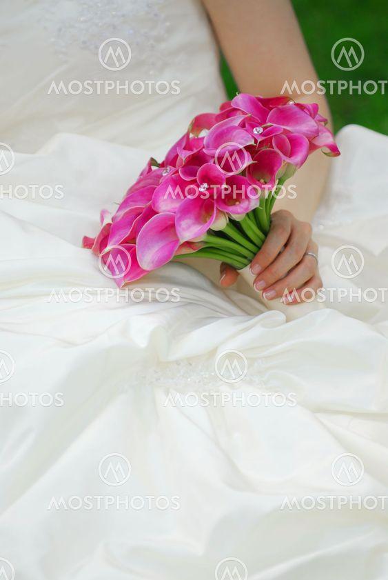 Brud med bryllup buket