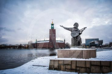 Stockholm City Hall and statue of Taube