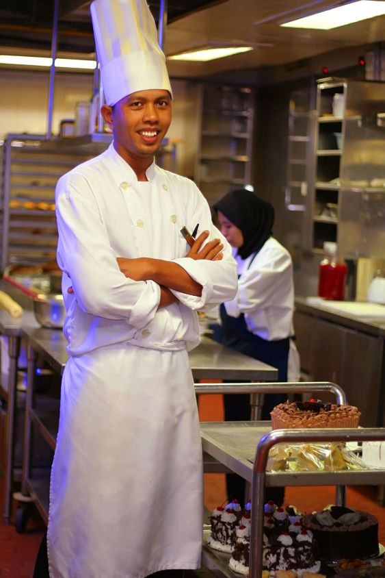 chef pastry at work