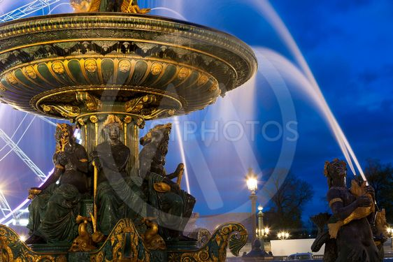 Fontaine des Mers, Concorde square, Paris, Ile de France,...