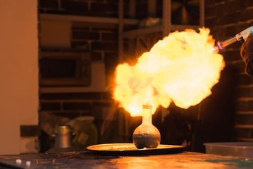 a big explosion of hydrogen in a chemistry room