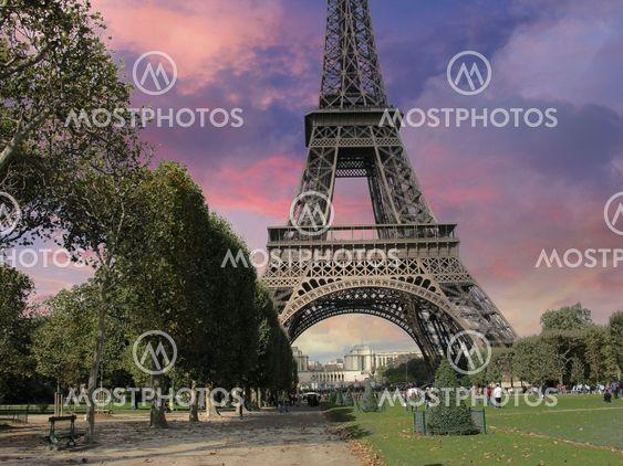 Eiffeltårnet fra Parc du Champs de Mars, Paris