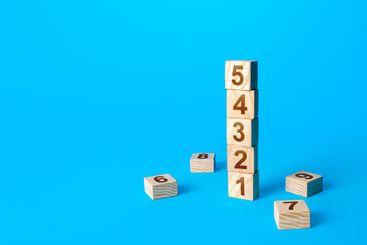 Numbers tower of wooden blocks. Simple steps....