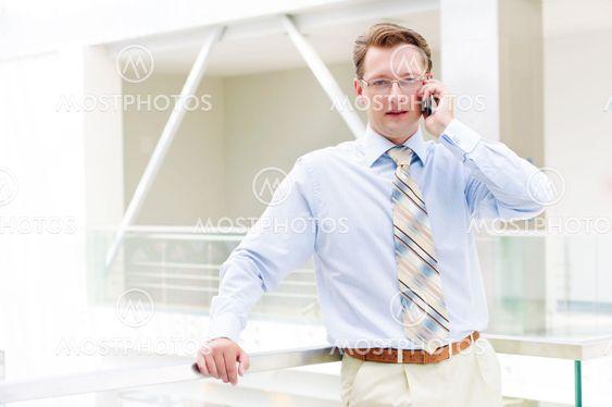 Smilende business mand
