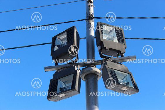 lantern, 4 lamps, lighting pole, wire, urban