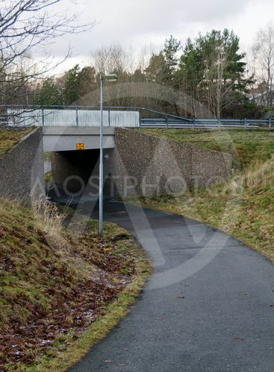 Walkway tunnel