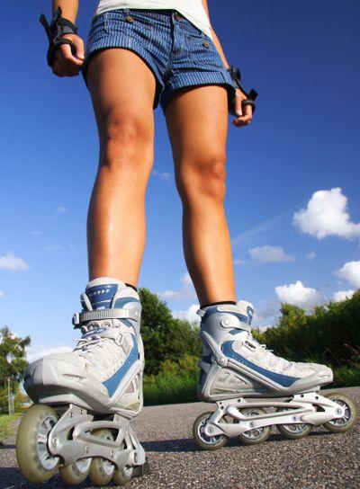 Rollerblading / Roller skating