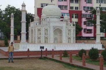 Taj Mahal in Seven wonder Park