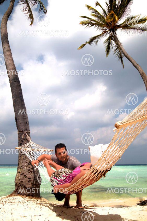 маленькие, мужик под пальмой юмор фото обеспечивают движение