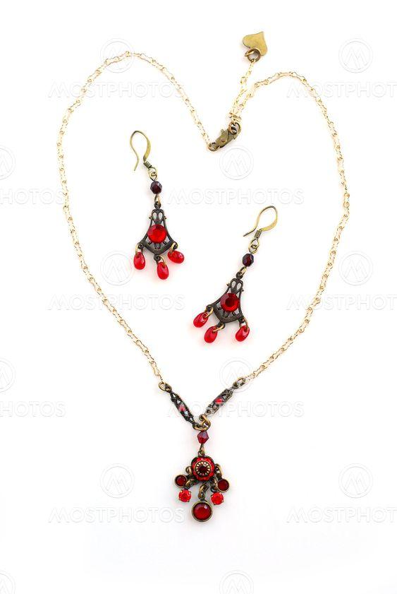 Jewelry necklace earrings