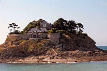 Island with castle, Brittany, Insel mit Schloss, Bretagne