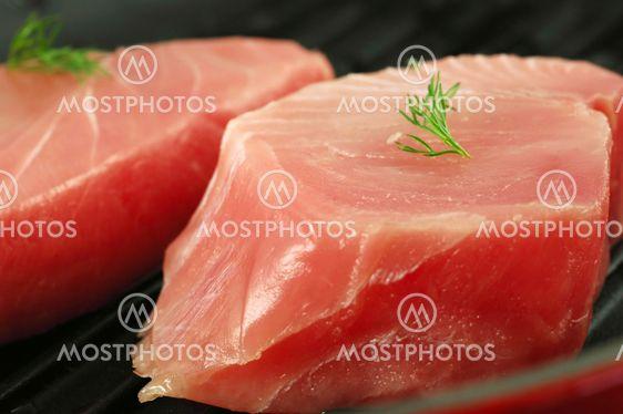 Tuoreen tonnikalan pihvejä