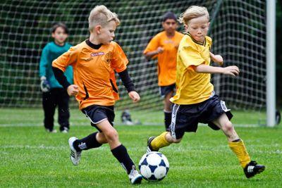 Fotbollsmatch, pojkar