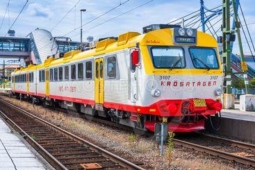 Krösatåg mot Växjö på stationen i Hässleholm