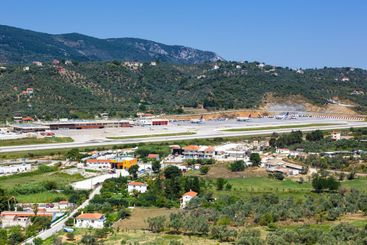 Overview Skiathos Airport (JSI) in Greece