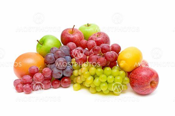 Still life af frugt på hvid baggrund